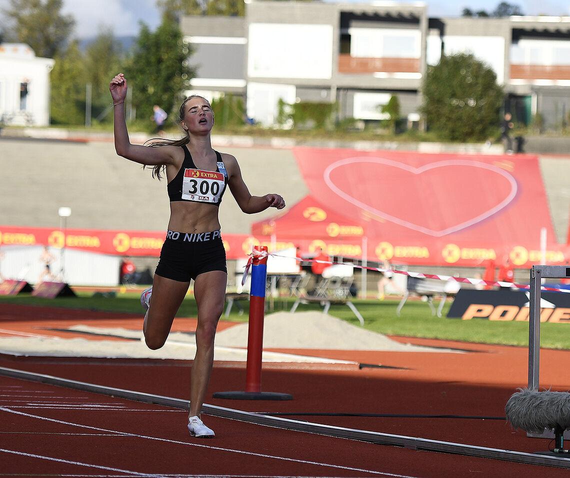 NM-gullet på 3000 m hinder i Bergen i fjor høst var ikke bare karrierens foreløpige høydepunkt, men ga Andrea Modin Engesæth også mersmak på denne krevende distansen. (Alle foto: Bjørn Johannessen)