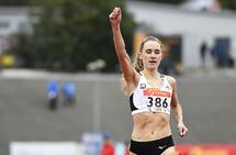 Hedda Hynne var storfavoritt og vant enkelt på 800 meter i NM. (Foto: Bjørn Johannessen)