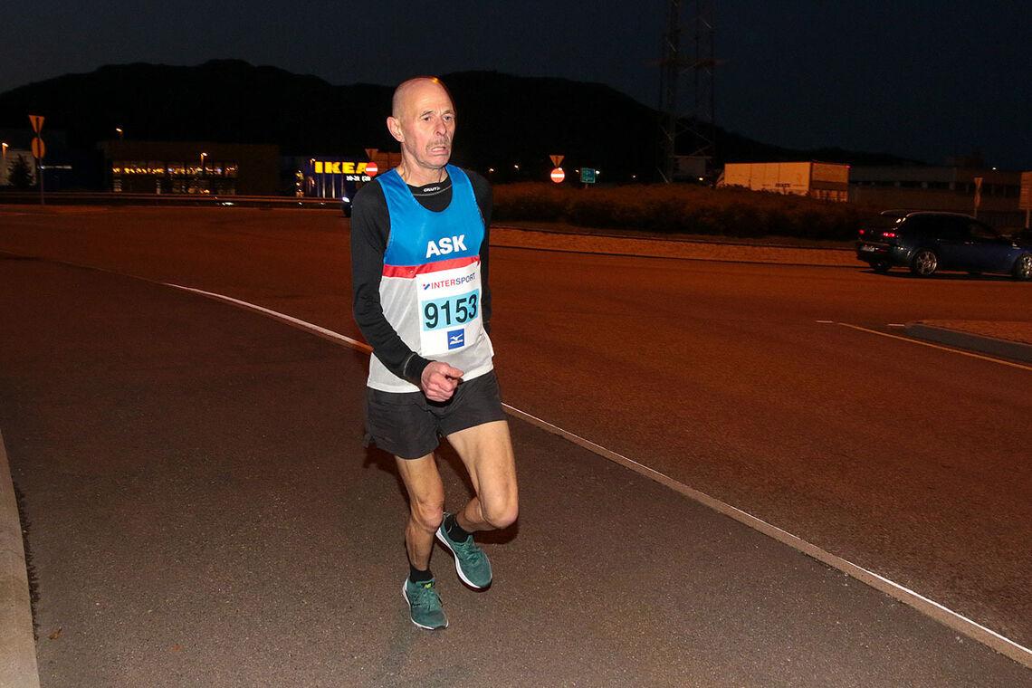 Øystein Eriksen vant 10 km i Åsane Løpskarusell på 40:07, som er en god tid i klasse 65 - 69 år. (Alle foto: Arne Dag Myking)