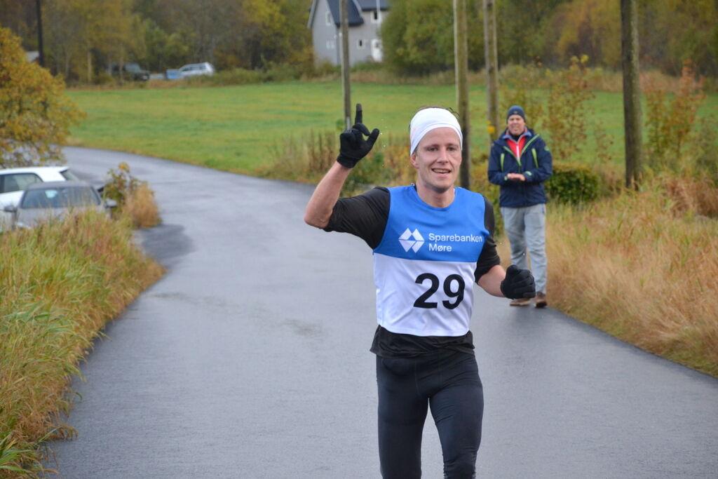 Vinnar i herreklassen, Sigve Høydal.  Foto:  Arrangør.