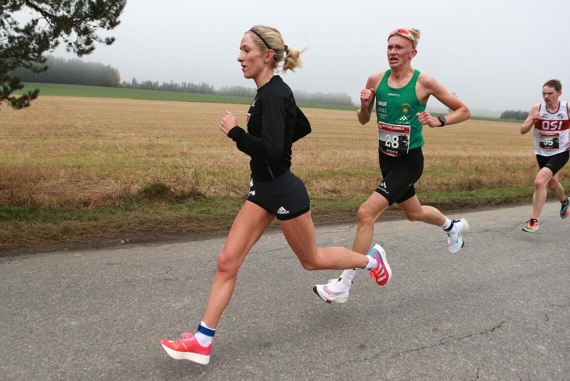 Det var Hytteplanmila hennes på 30.32 som gjorde at Karoline Bjerkeli Grøvdal ble nominert som en av kandidatene til å bli månedens europeiske utøver i oktober. (Foto: Kjell Vigestad)