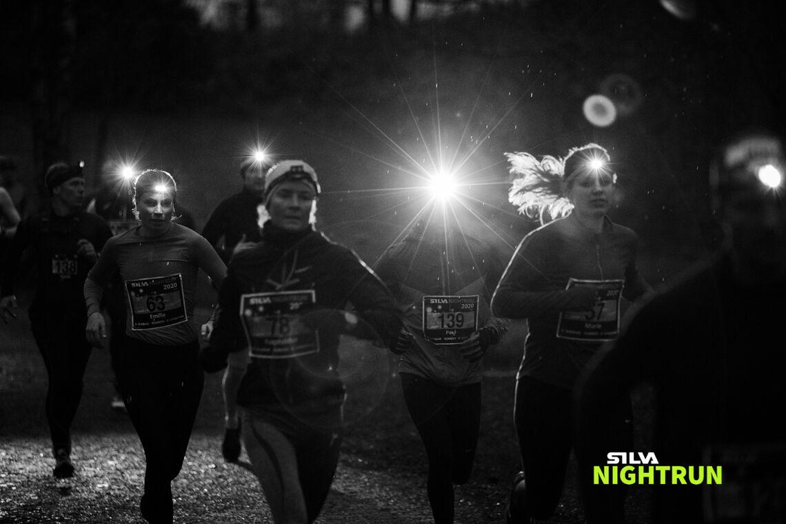 Silva Nightrun Oslo. Løypa var merket med reflekster som lyste godt opp når de ble truffet av lyset fra hodelyktene til deltakerne. (Foto: Sylvain Cavatz)