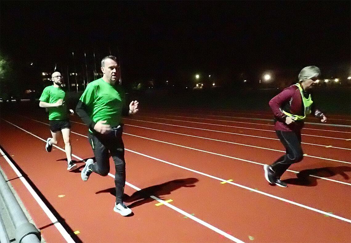 Noen ligger bakpå, noen løper rakt, og noen har fall framover når de løper. En ny studie viser at det ikke er så lett - sjøl for et øvet øye - å peke ut hvem som har god, og hvem som har mindre god løpsøkonomi. (Foto: Marianne Røhme)