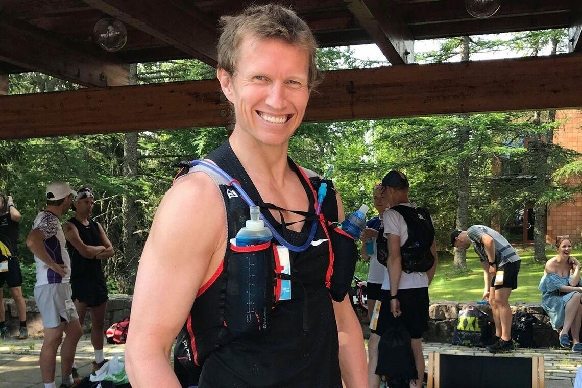 Frank Løke står igjen som vinner etter 23 dager med stadig økende distanser i Hagemanns primtalløp. Bildet er fra starten på 100-milesløpet SMVE tidligere i år. (Foto: Mona Kjeldsberg)