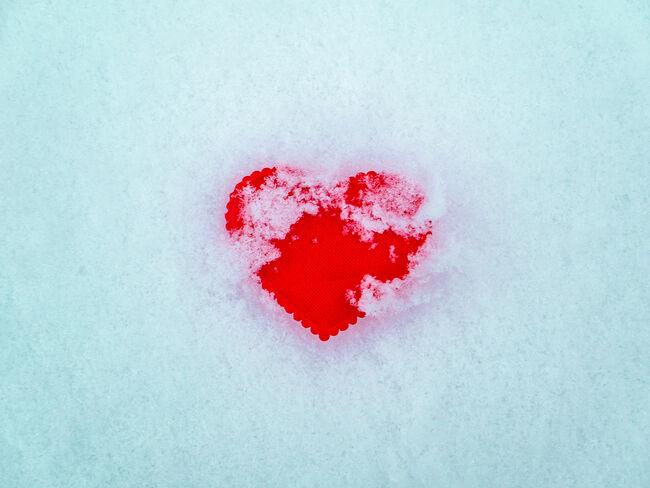 Bilde av hjerte i snø