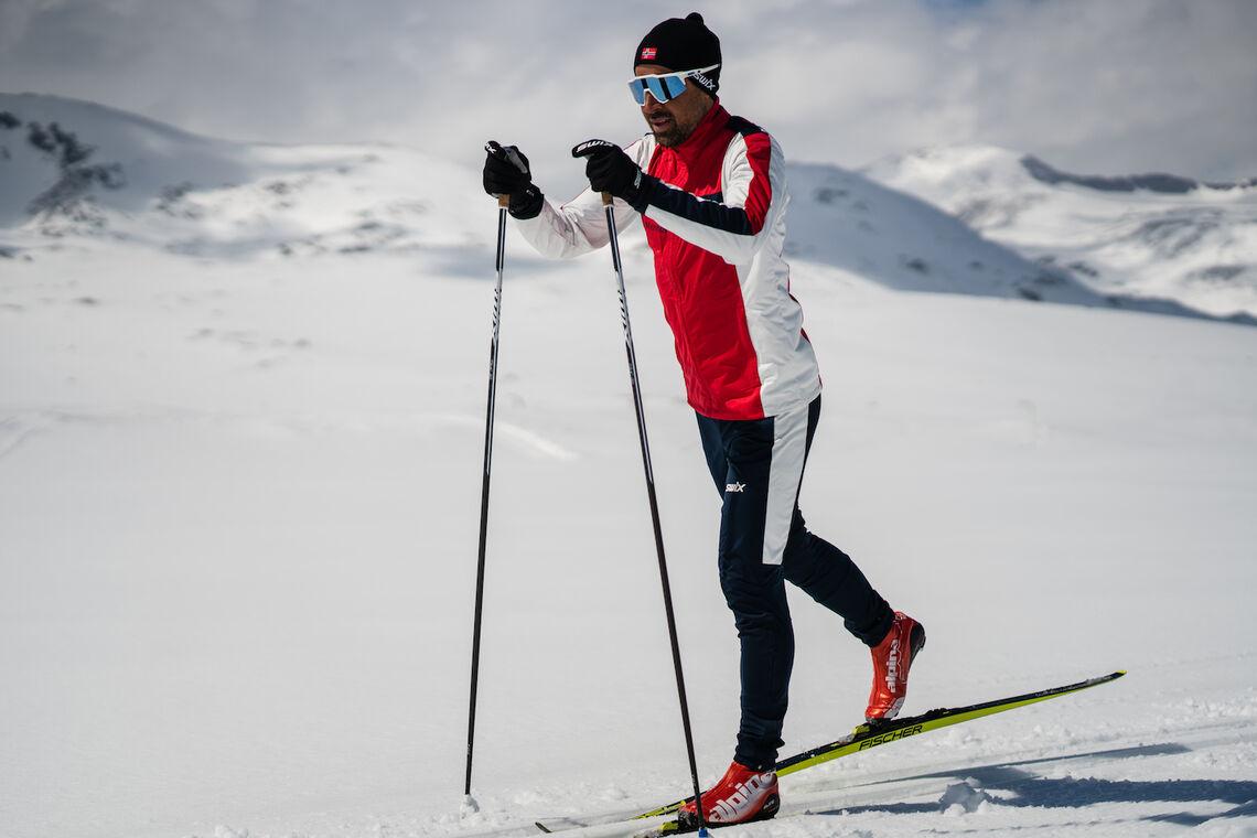 Nils-Ingar Aadne er opptatt av riktig skiteknikk. (Foto: SkiMentor)