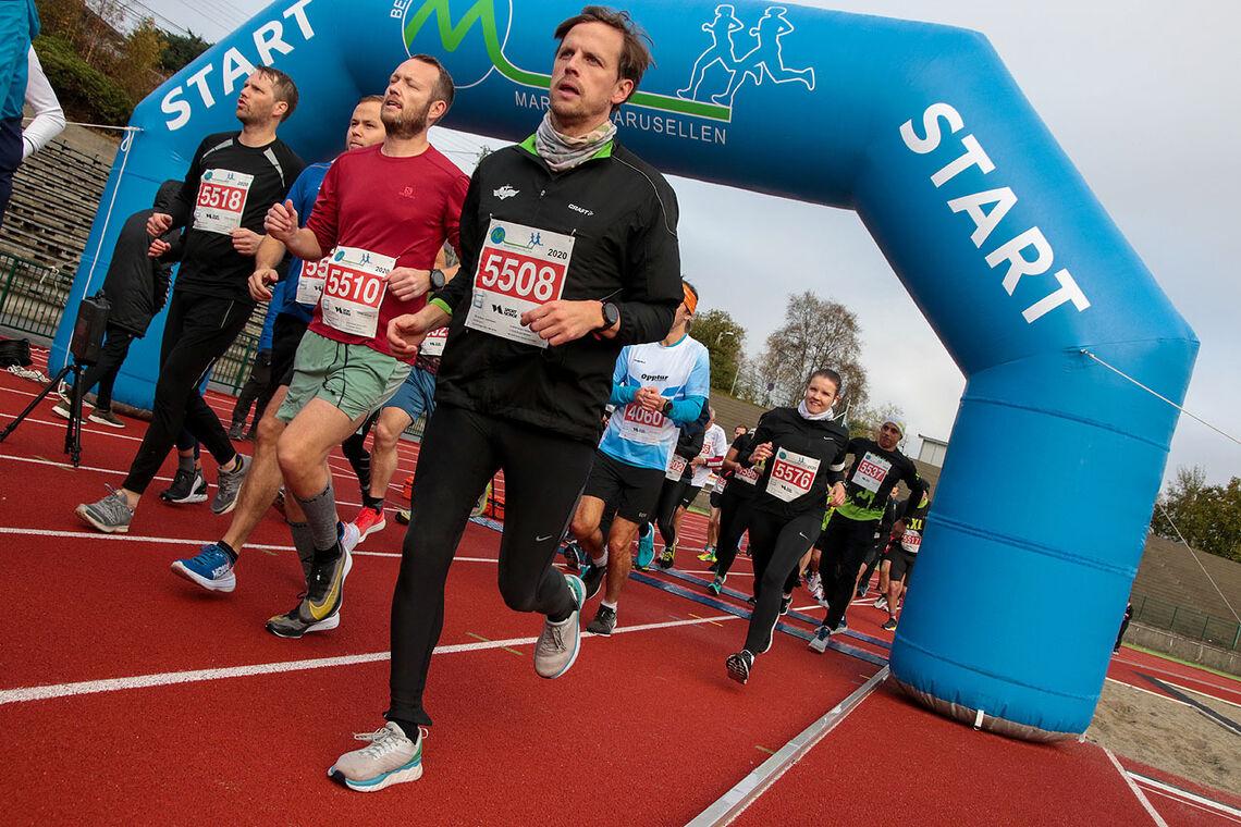 Fra starten på det forrige løpet i Maratonkarusellen i Bergen, som gikk 17. oktober i fjor. (Foto: Arne Dag Myking)
