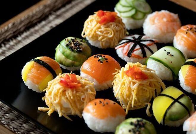 sushi-balls-5878894__340