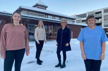 Bilde av vaksinasjonsgruppa, fra venstre: Sykepleier Ida Bakke, kommunefarmasøyt Marianne Thoresen, helsesykepleier Laila Reitan Sundet og sykepleier Anne Jøraandstad