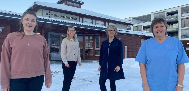 Bilde av vaksinasjonsgruppa, fra venstre: Ida Bakke (sykepleier), Marianne Thoresen (kommunefarmasøyt), Laila Reitan Sundet (helsesykepleier) og Anne Jøraandstad (sykepleier)