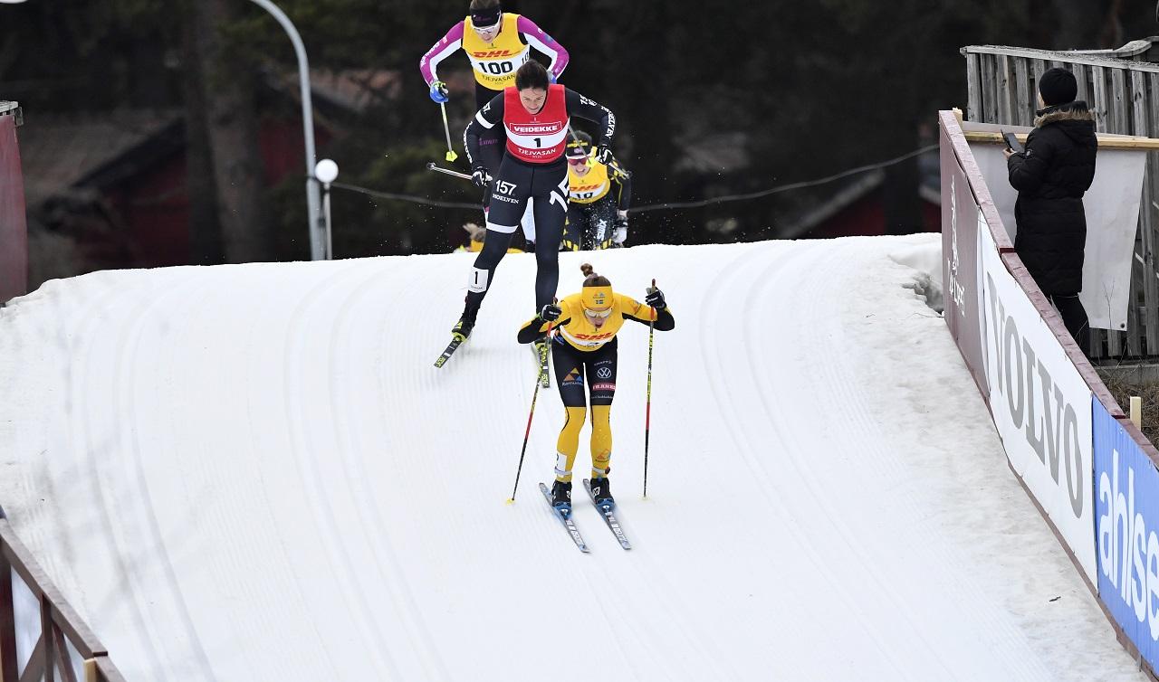 210227  MoraTjejvasan målgång med Lina Korsgren som segrare här på AuklandbackenFoto Nisse Schmidt