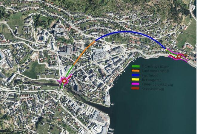 Veglinja startar i planlagt rundkøyring ved Sogndal hotell. Frå rundkøyringa går vegen som dagline i om lag 135 meter før den deretter går over i ein om lag 275 meter lang lausmassetunnel som startar ved Sogndal Skysstasjon. I øvre Leighgota går v