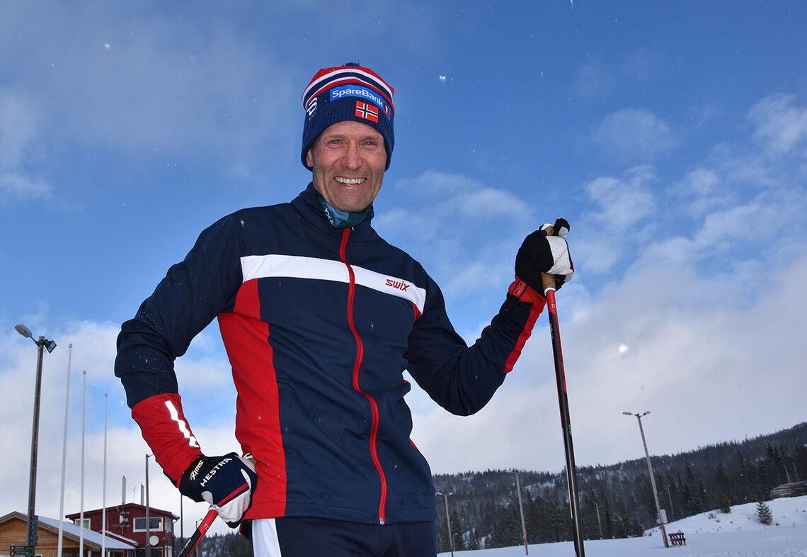 Per Øyvind Torvik har undersøkt hvordan de beste langløperne i langrenn legger opp treningen sin. (Foto: Nina Kjeøy, Nord universitet)