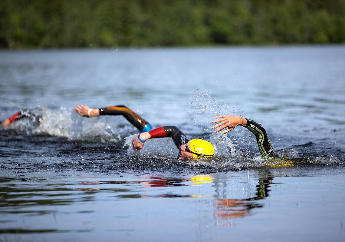 Hvordan holde motivasjonen oppe når både varmen og konkurransemålene virker fjerne? (Foto: Sylvain Cavatz)