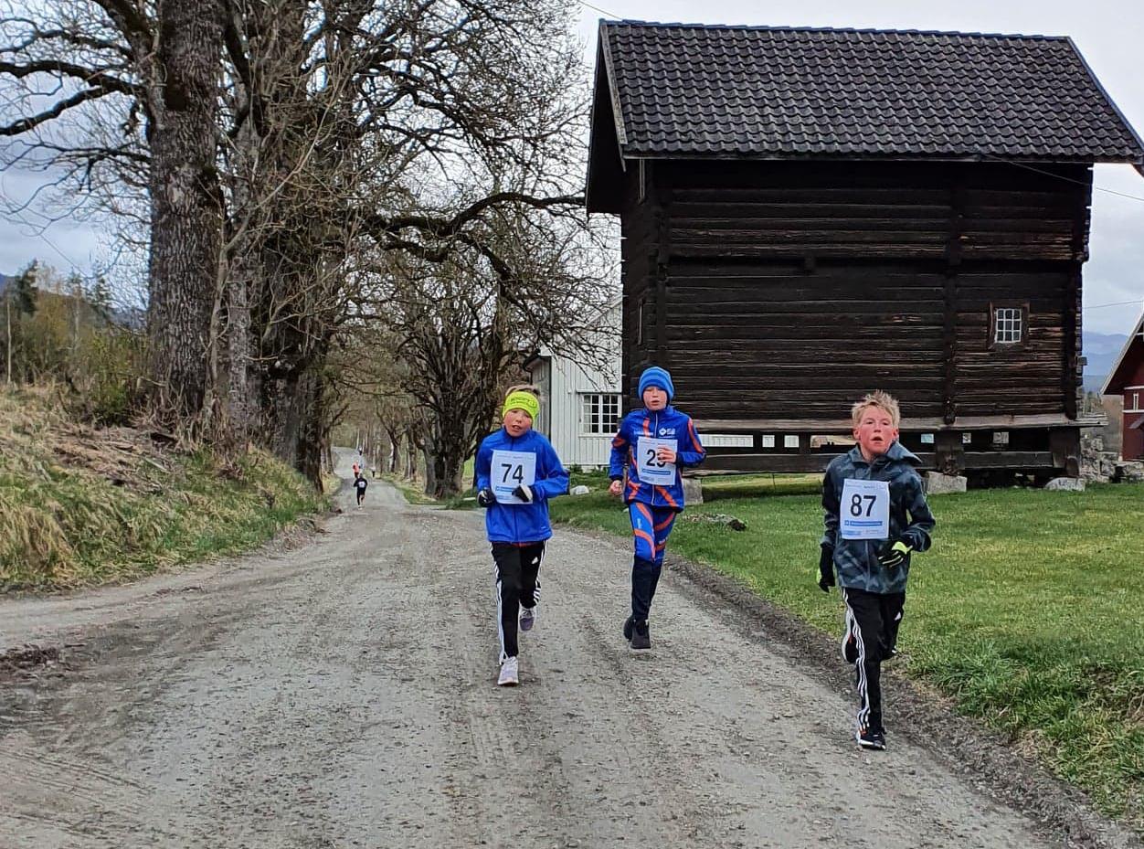 Sport1 Karusellen - 3 gutter i loypa-2.jpg
