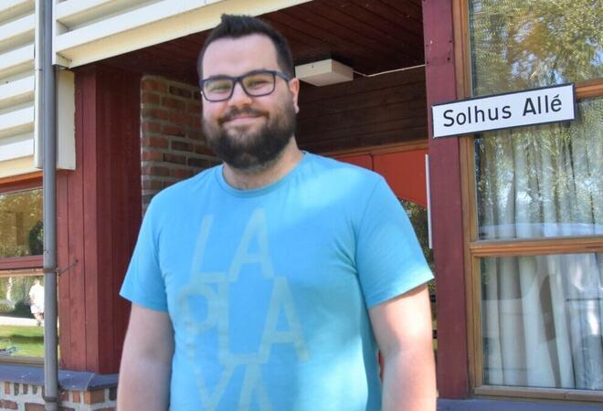 Arvid Isdal startet som lærling i IT-avdelingen og fikk engasjement etter avlagt fagprøve. Nå jobber han som IT-konsulentselskapet Biztek på Orkanger.