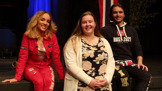 Russepresidentane og representant for studentane på kulturhuset