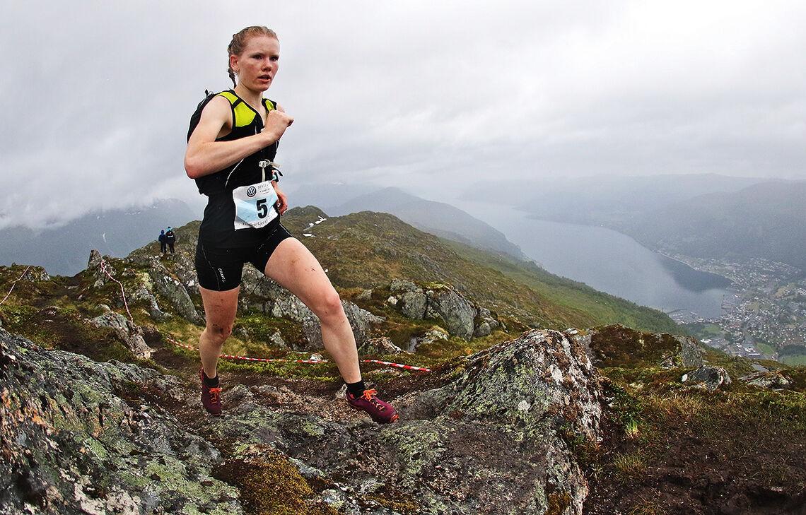 Karoline Holsen Kyte har i flere år vært en av landets beste motbakkeløpere. Her ser vi henne under Trollenykjen Opp i 2017. (Foto: Martin Hauge-Nilsen)