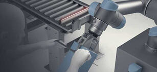 universal-robots-academy crop