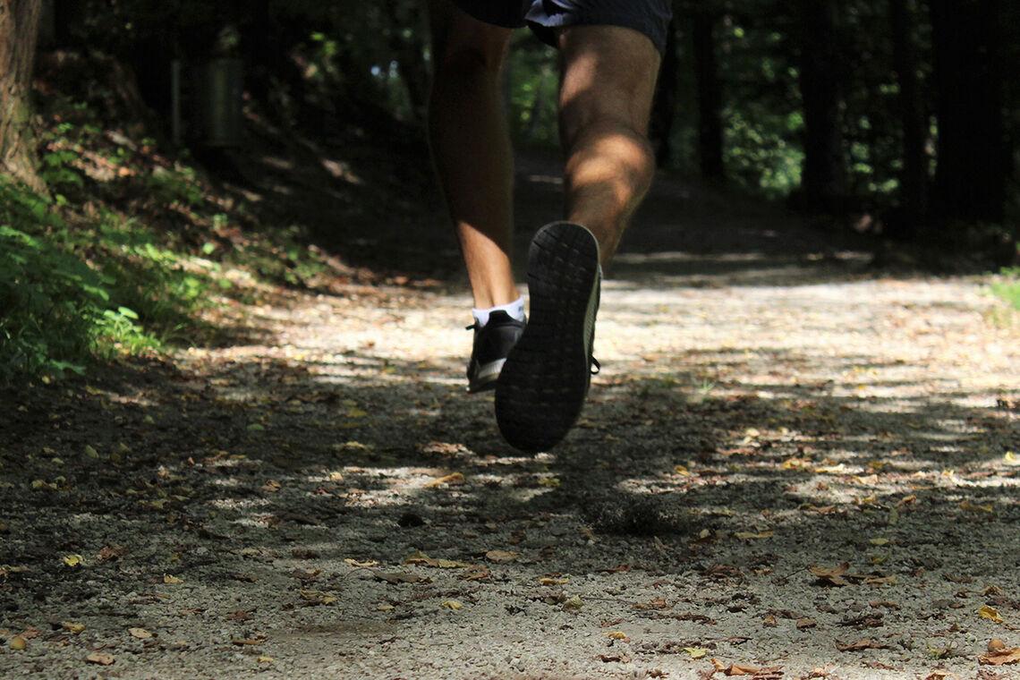 Fartslek! Min favoritt fra den gangen løping var mer lek enn trening. (Foto: Tara Glaser / Unsplash)