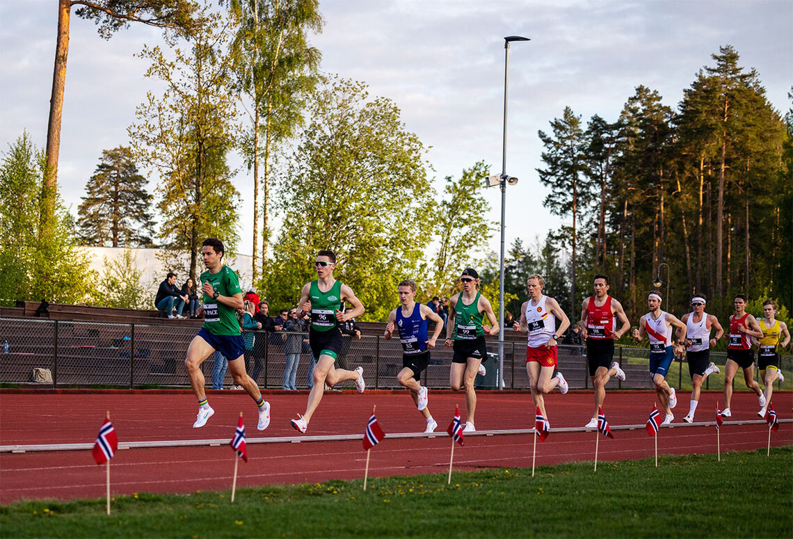 Det er gjerne de gangene en får løp i et felt med løpere på sitt eget nivå, at en virkelig kan rope hurra for sluttida. (Foto: Samuel Hafsahl)