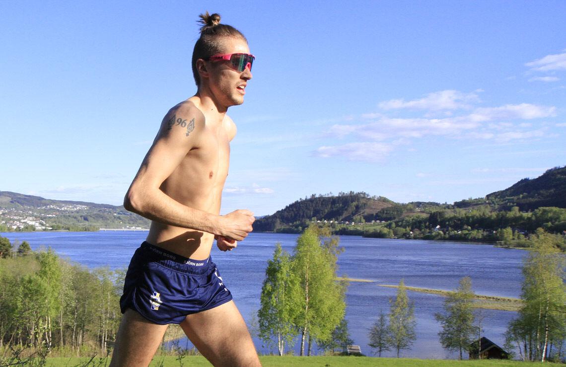 Elmer Mulleri Skalle, LIF, fortsetter å imponer med sin løping, og ble igjen raskeste herreløper, slik han også ble under de to foregående løpene i Sørdalskarusellen.