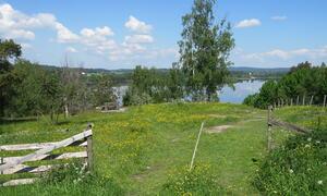 Uteområdet - hytta på Suteren Rakkestad kommune