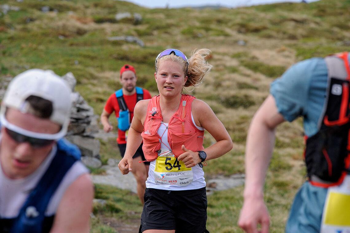 Johanne Wessel løper inn til en 7. plass, her er hun i fint driv inn over vidden.