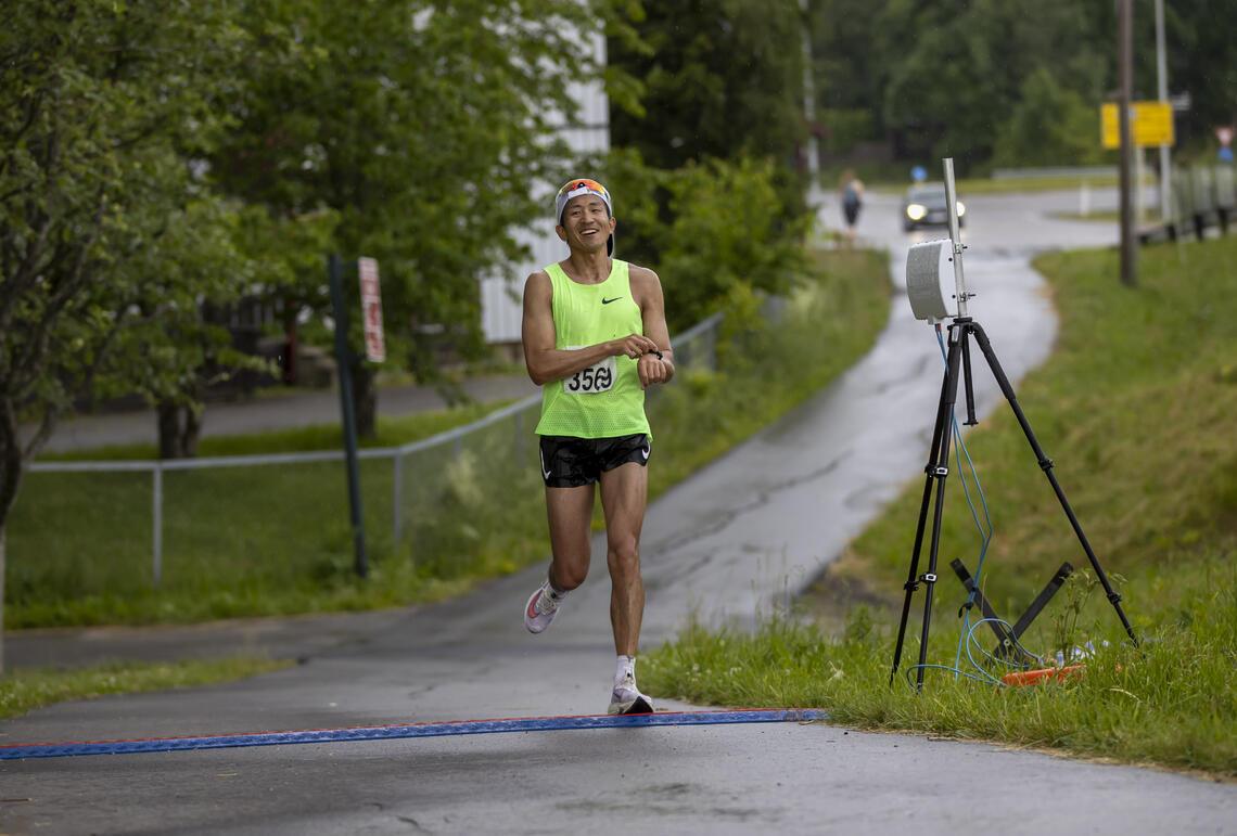 Håkon Urdal i mål på 50 km på tiden 3.21.20.