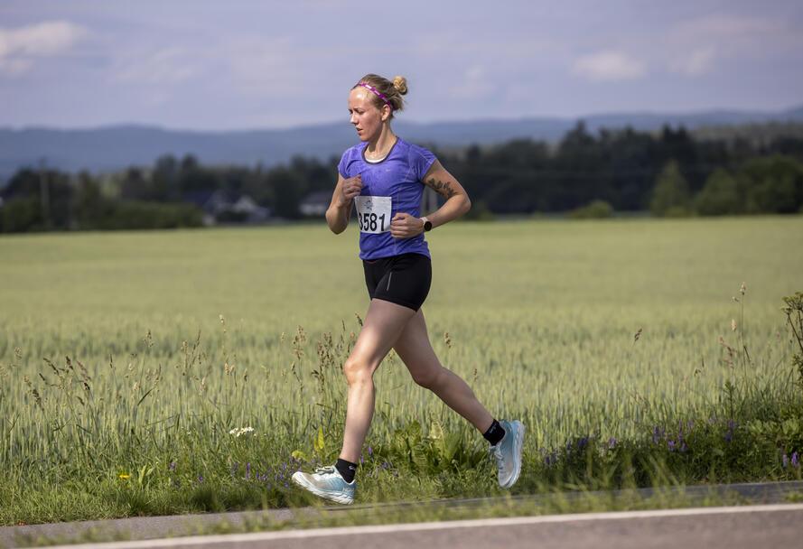 Maria Drougge Millidahl løp halvmaraton på hjemlige trakter.