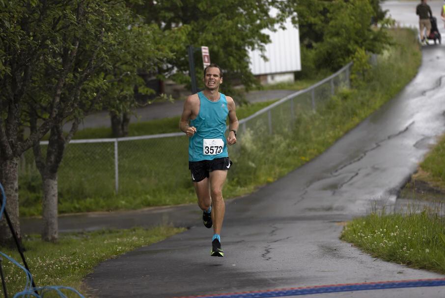 Stian Fjellestad fra Romerike Ultraløperklubb ble andremann på 50 km med 3.25.02.