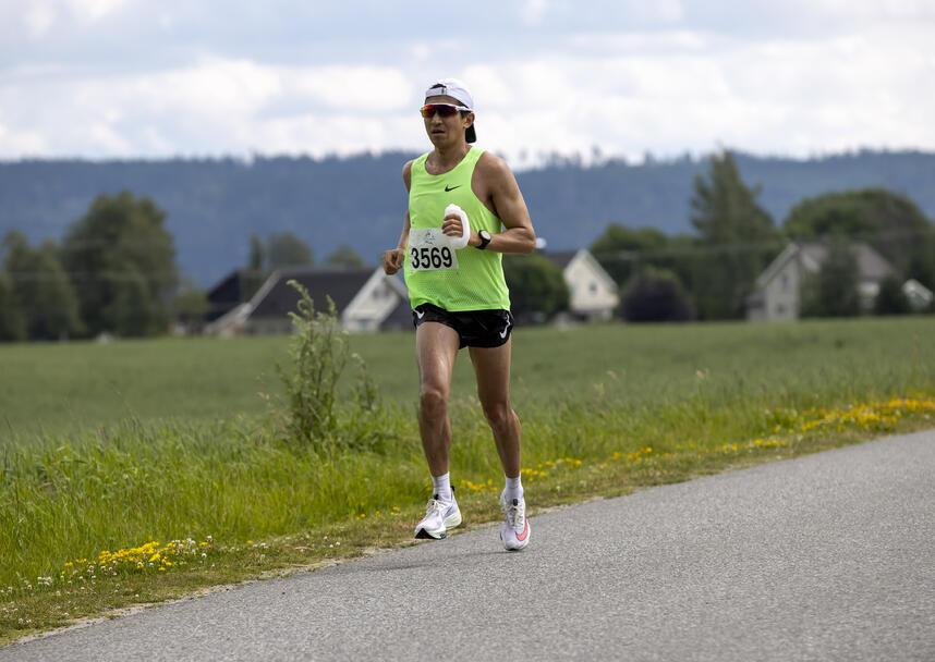 Vinneren på 50 km Håkon Urdal fra Rygge IL.