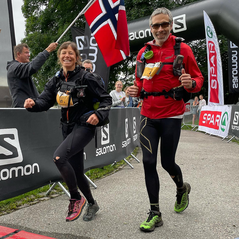 Wendy-og_Jo-Inge_Fjellstad-mål.jpg