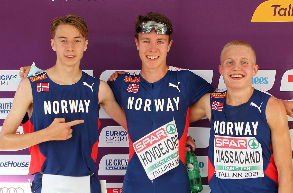 De tre norske, Tord Frank Ulset, Vebjørn Hovdejord og Philip Anders Anthelme Massacand, i mikssonen etter sin 5000 m. (Foto: Kjell Vigestad)