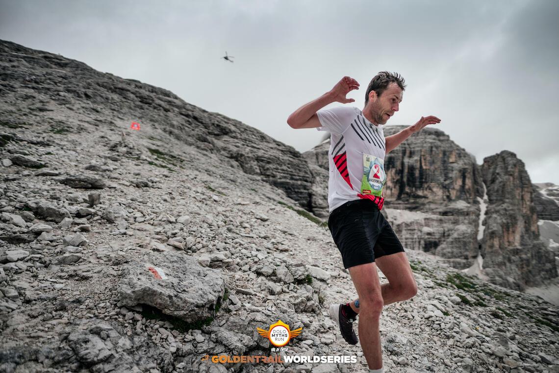 Stian Angermund tok fram fantastiske kvaliteter nedover i dag. (Foto: @ksaragossa / Golden Trail Word Series)