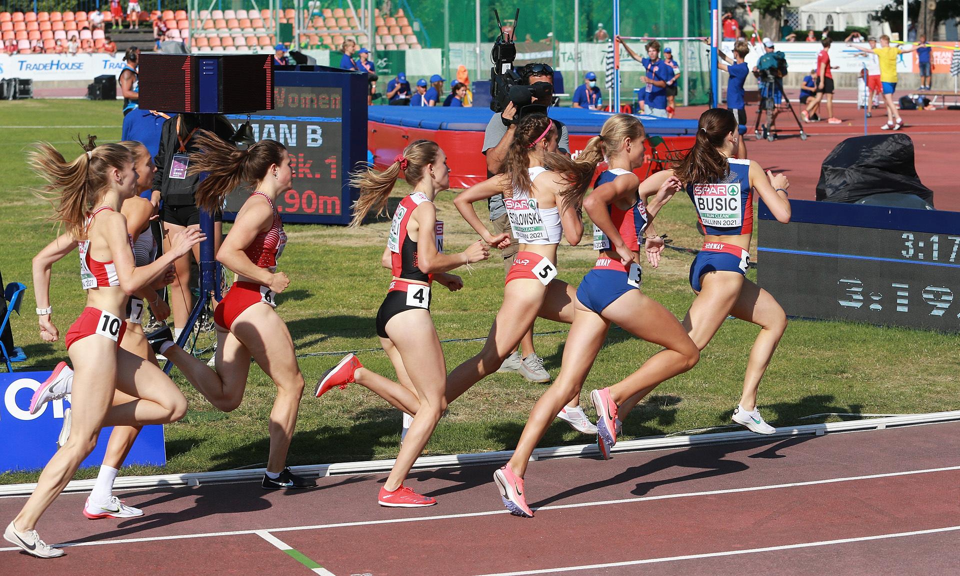 400m_igjen_Busic_og_Hoelsveen_avanserer_AZ3T2036.jpg