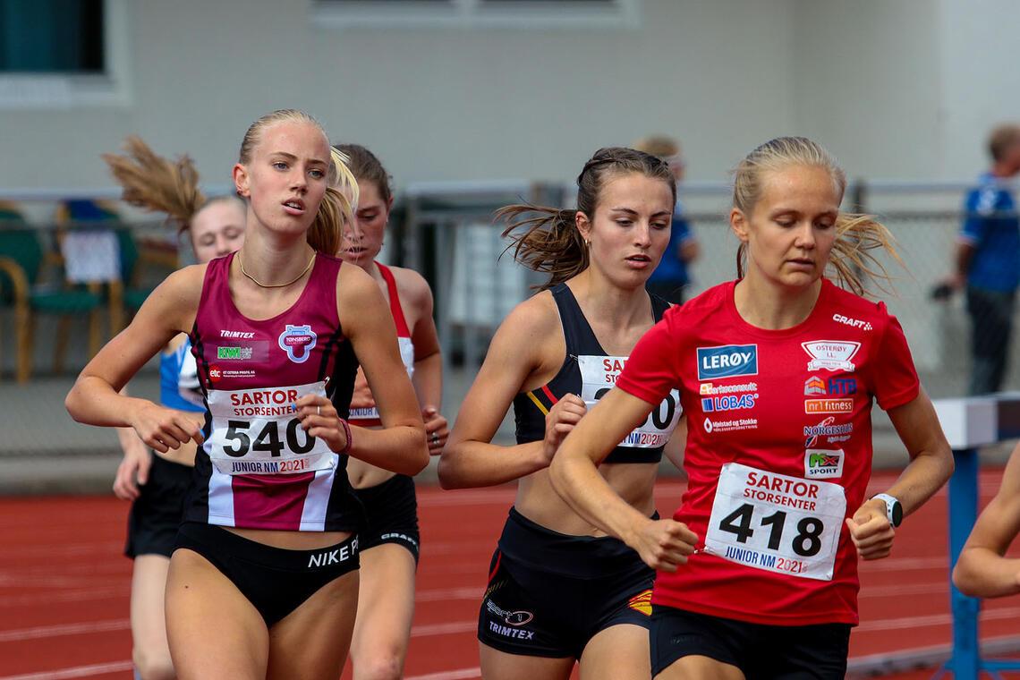 Leona Andersen Vedvik og Ingeborg Østgård hører til de antatt beste, Nora Bergan tok seg også til finalen, litt mer som en outsider. (Alle foto: Arne Dag Myking)