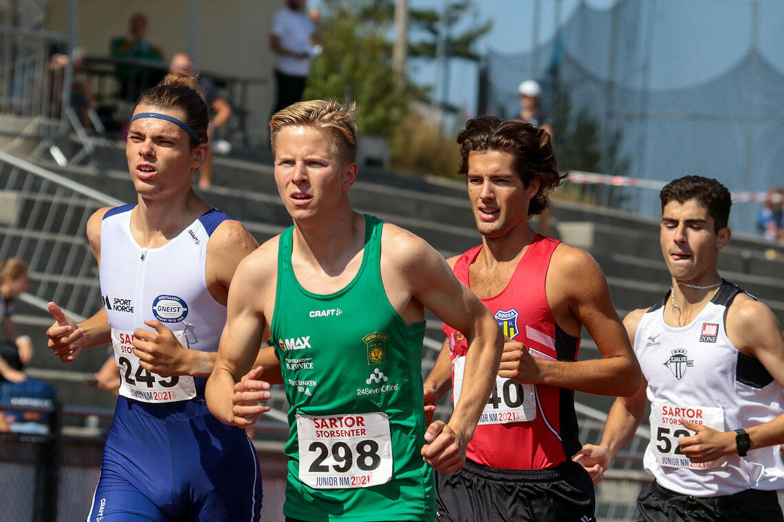 Fra det andre forsøksheatet på 1500 meter i U-23. Her er Hans-Magnus Haukøy og Halvor Nymoen Winberg i front. (Alle foto: Arne Dag Myking)