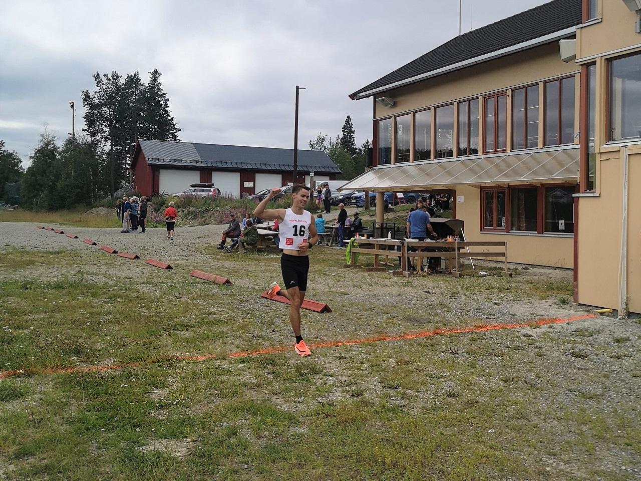 Peder Talsnes vinner 10 km.jpg