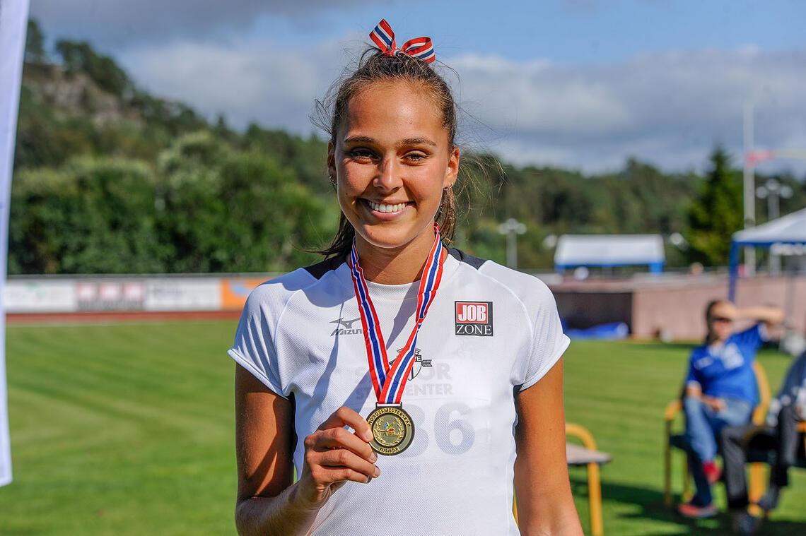 Solveig Cristina Hernandez Vråle er nå juniornorgesmester på 1500 meter i U23-klassen. (Alle foto: Arne Dag Myking)