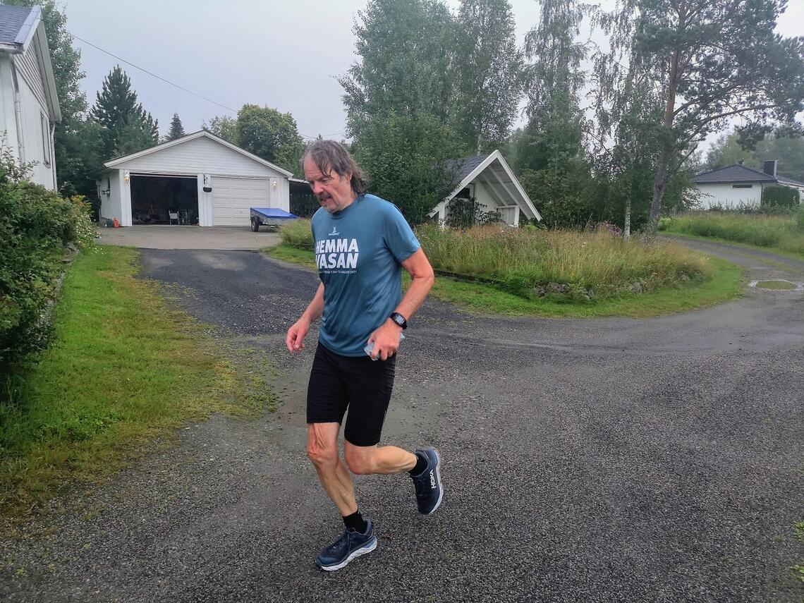 Jarle Busterud i mål hjemme i Hernes lørdag etter middag i sin 3. Hemmavasan for året. (Foto: Rolf Bakken)
