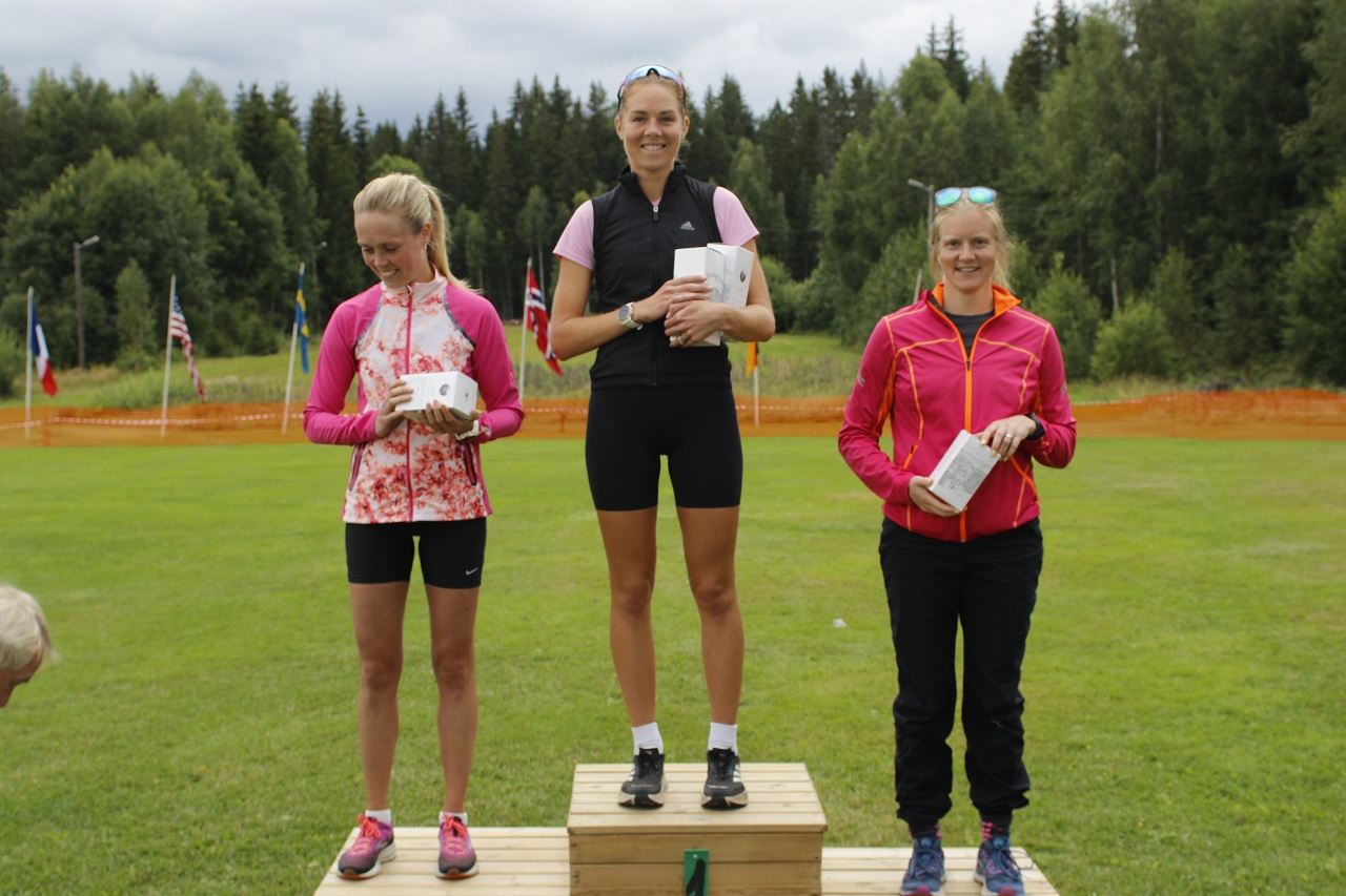 Tre beste kvinner halvmaraton.jpg
