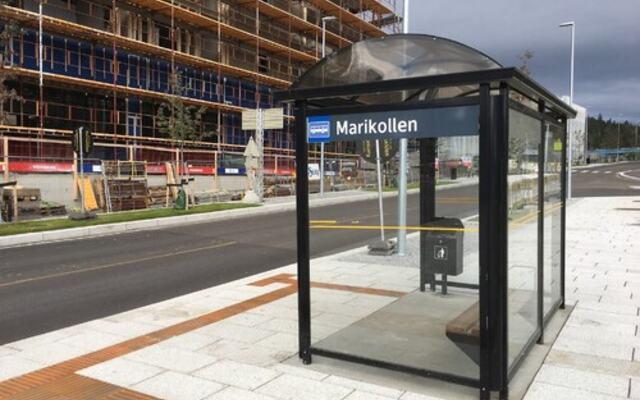 Marikollen busstopp i Fjerdingby sentrum
