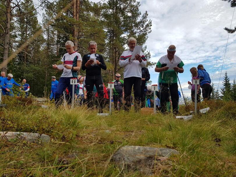 Harald Østbye, Avle Chr Bjørn, Stein Erik Edvartsen og Arne Gunnar Barflo klare til start.