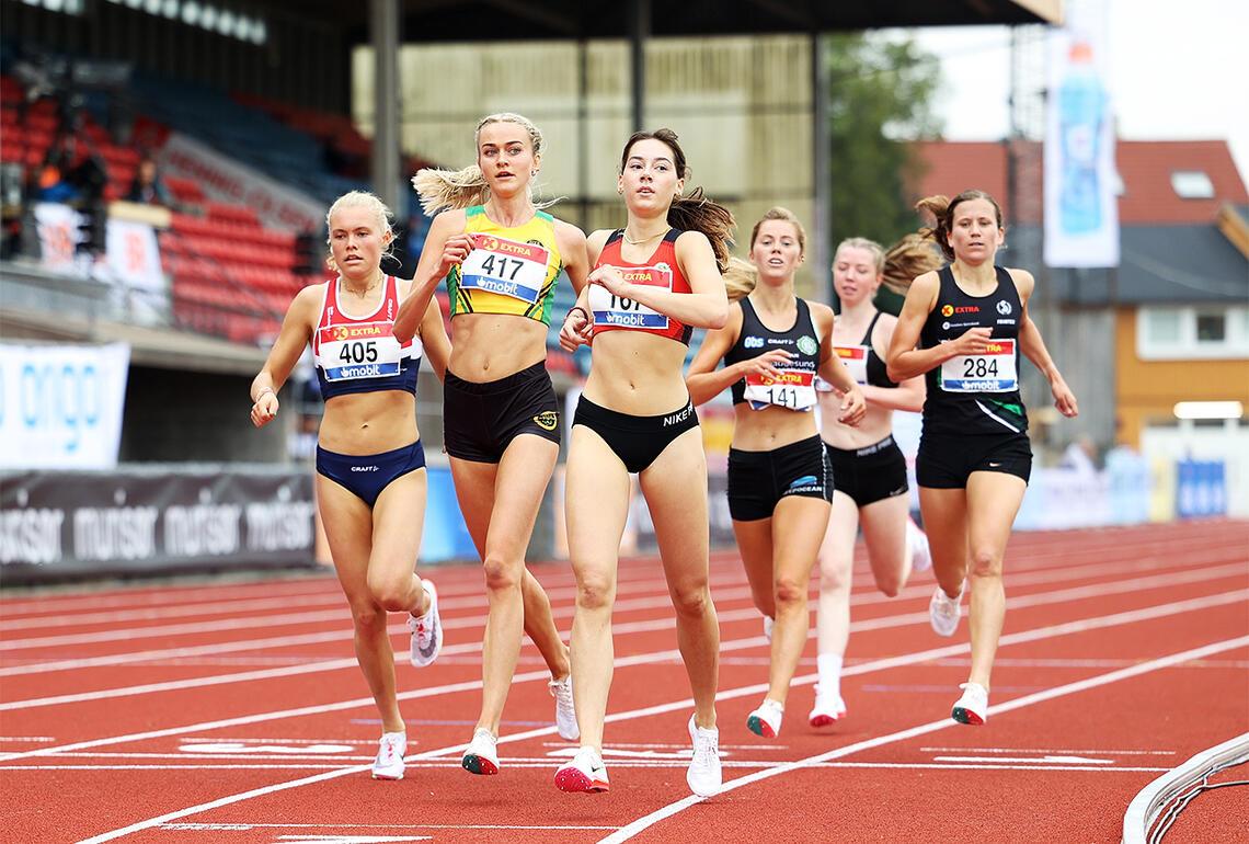 Fra det første heatet var det disse seks jentene som gikk videre - med ganske god margin. (Foto: Samuel Hafsahl)