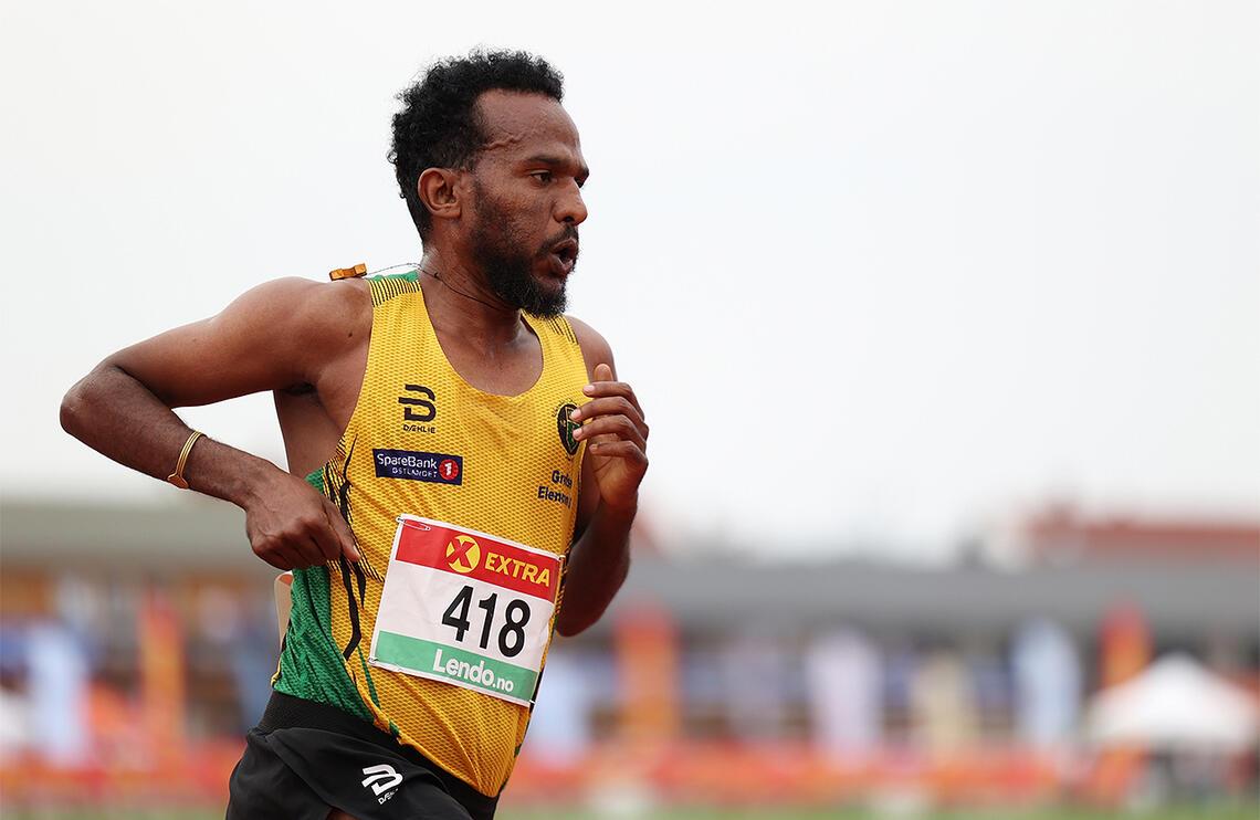 Awet Kibrab tok en klar seier i B-finalen på 5000 m. (Foto: Samuel Hafsahl)