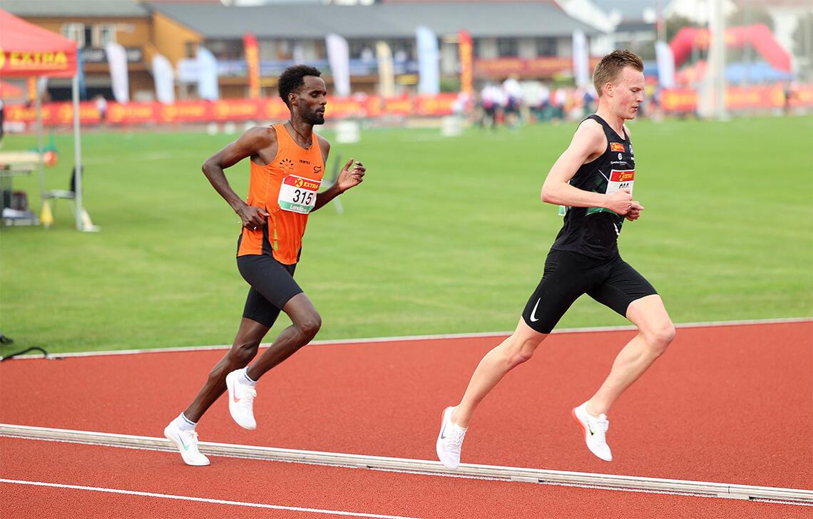Zerei Kbrom Mezngi og Narve Gilje Nordås er to av nykommerne på elitelaget i friidrett. (Foto: Samuel Hafsahl)