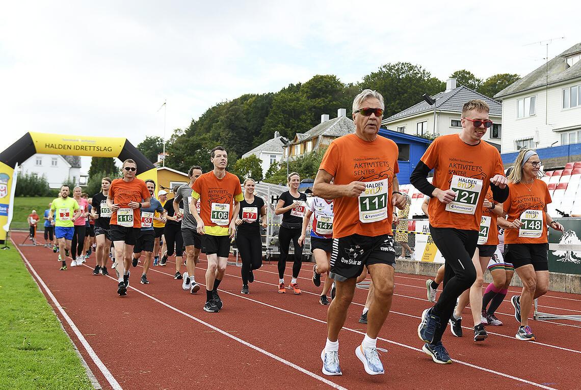 Starten på 5 og 10 km. (Alle foto: Bjørn Johannessen)