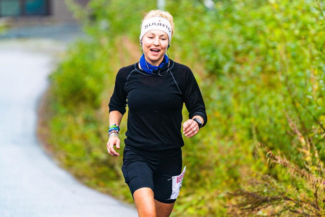 Therese Falk underveis i sitt rekordløp i Stjørdal. (Foto: Eirik Yven)