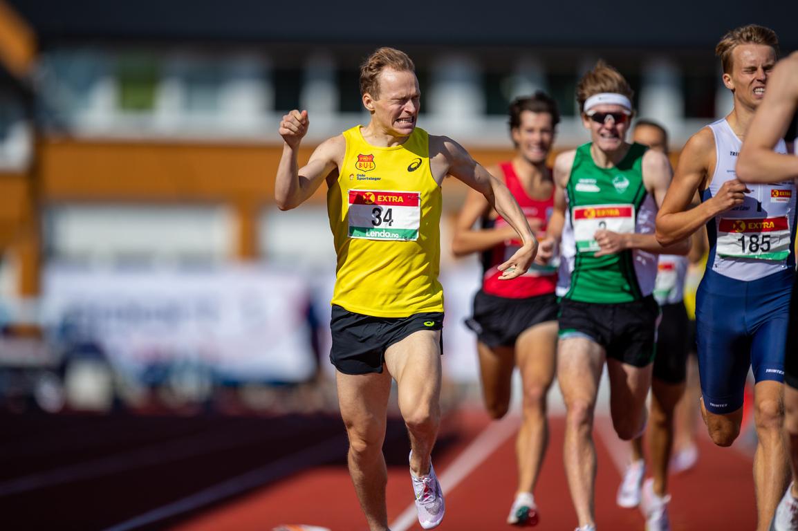 800m-Markus-Einan-fighting-face.jpg